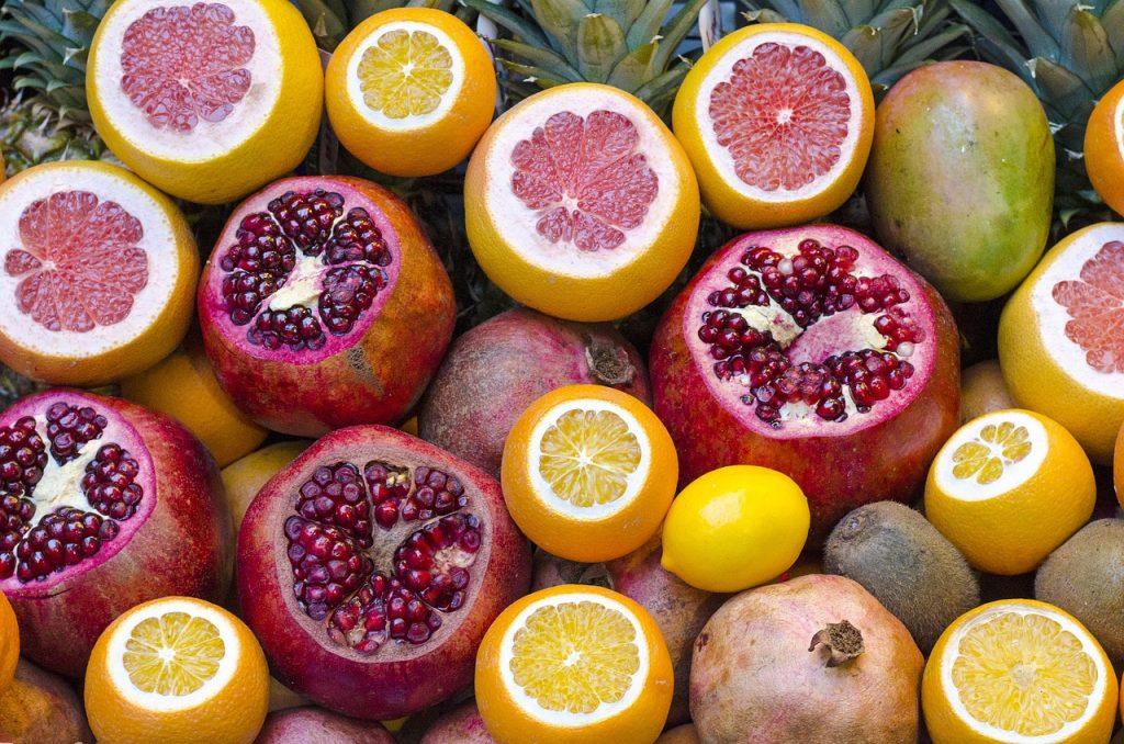 what foods contain b12 cobalamin?